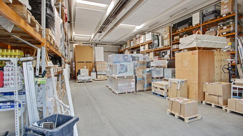 Et af hovedbygningens lokaler, der i dag bruges til lager/opbevaring
